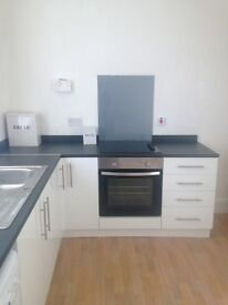 ****LARGE ONE BEDROOMED FLAT, RECENTLY REFURBISHED TO LET****