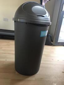 45l plastic bin new