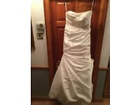 Ladies Wedding Dress, Size 18, Colour Ivory by Beautiful