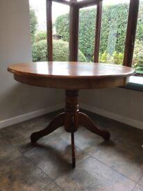 Round pedestal table 106cms diameter