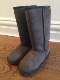 Emu boots, brand new, size 6, Stinger Hi, dark brown
