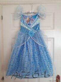 SELECTION OF GIRLS DISNEY PRINCESS DRESSES AND FANCY DRESS