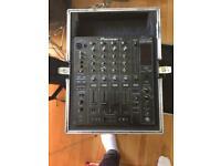 DJM 800 Mixer (& Flight Case)