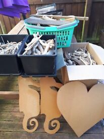 4x tubs 2 large 2 small local drift wood with ply cuts to add too