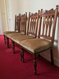 4 lovely antique mahogany dining chairs.