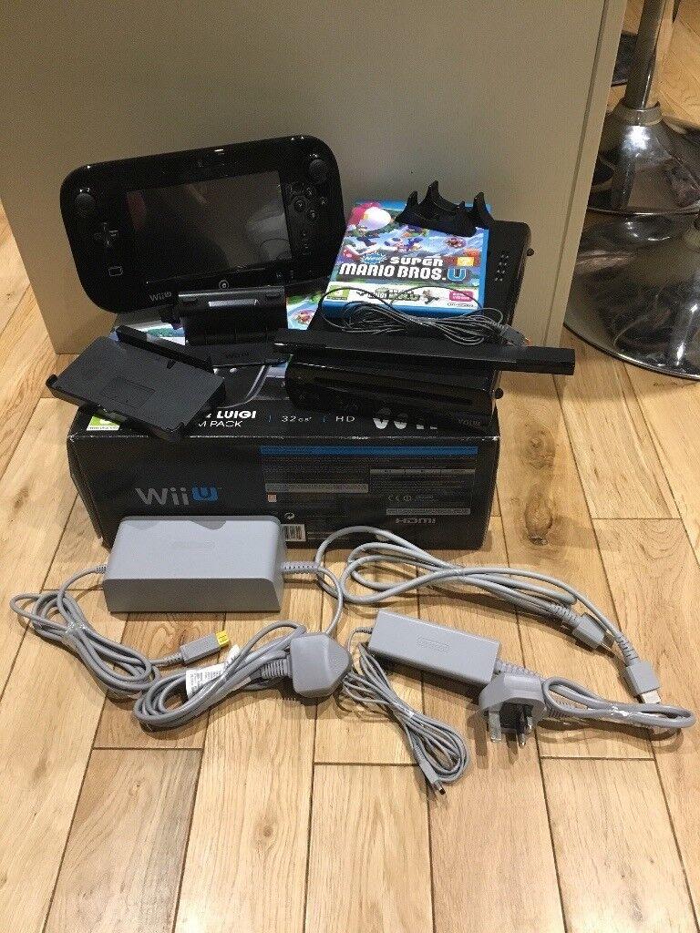 Nintendo Wii U Mario & Luigi Premium Pack