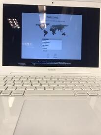 Apple MacBook 2010 - 250GB