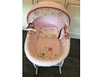 Izziwotnot Moses basket and white rocking stand
