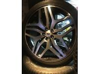 "22"" Range Rover style alloy wheels and tyres"