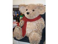 large straw christmas teddy
