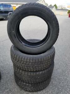 4 PNEUS HIVER BRIDGESTONE 235 60 17 - 4 WINTER TIRES