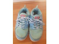 Womens Nike Free Run (GS) Trainers - Size 5 - Ideal for Running/Walking