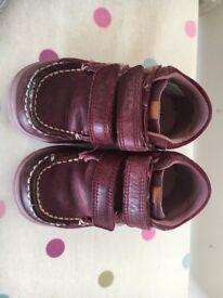 Clark's Cloud Mist Leather Childrens Boots size 5G junior