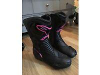 Alpinestars size 6 boots