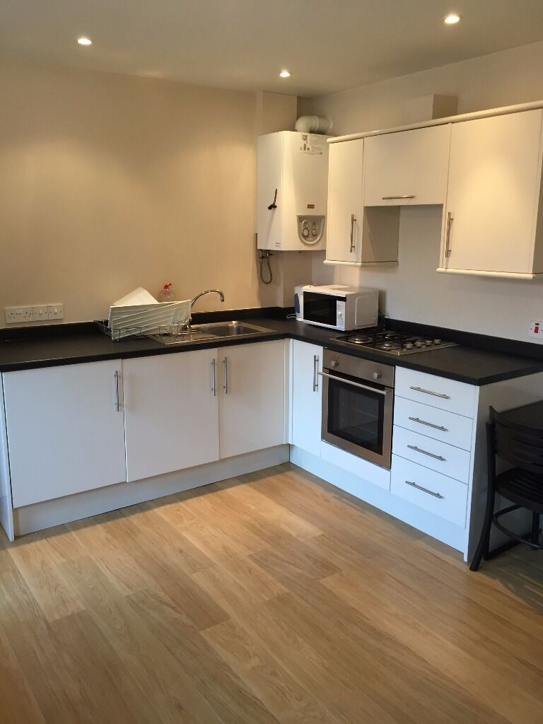***IMMACULATE** BRAND NEW PURPOSE BUILT 1 BEDROOM APARTMENT-CITY CENTRE/SHEFF UNI