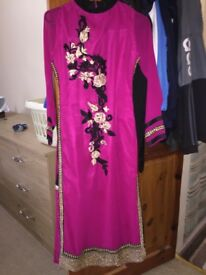 PINK INDIAN DRESS WITH BLACK AND GOLD EMBROIDERY (SIZE: SMALL)