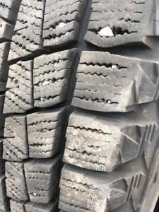 245/60/18 Bridgestone blizzak 7-10/32
