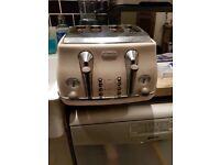 Delonghi cream toaster