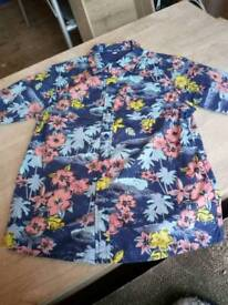 Vgc boys Hawaiian style shirt. 8-9 years