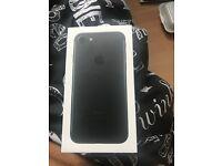 Apple iPhone 7 black 32gb £400 Ono