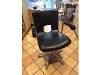 Hydraulic Salon Chair, 5 leg Chrome swivel base, black pleather, Top Quality. Barber, Hairdresser