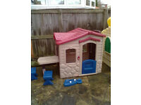 Little Tikes Picnic On The Patio Playhouse - Roundhay Park Leeds 8 - Can Deliver