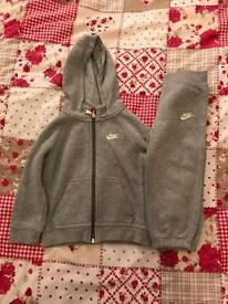 Boys clothes sizes 18-24m & 2-3