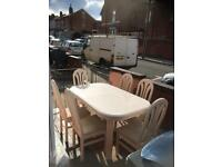 Lovely solid extendable dining table with 6 chairs great condition