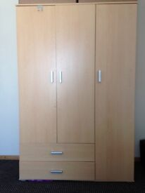Bargain Wardrobe £170 Ono 3months old price when new £275 can deliver and assembled within Oxford