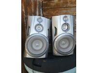 2 x 40 0hm. Speakers