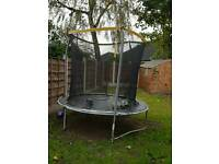 8ft trampoline with encloser