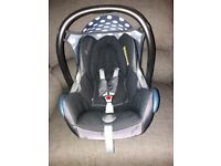 Maxi-Cosi car seat Family Fix Base. Good condition