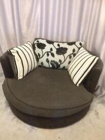 Sofa snuggle chair