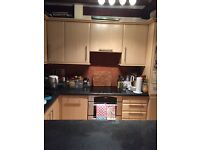 Fitted kitchen includes dishwasher hardly used £200 ono must collect