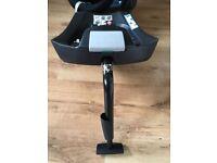 Isofix base and cybex aton infant car seat