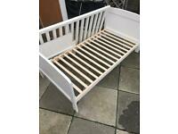 WHITE WOODEN COT/TODDLER BED