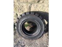 Brand new fork lift tyre