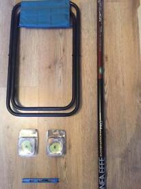 A 16ft Fishing pole pre loaded with elastic comes with Stool , 2 lots of spare elastic & float Rig