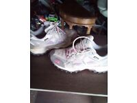 North Face walking boots (6)