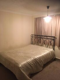 Double Room to Rent in West Green close to town centre, Single Occupancy Only, bills included