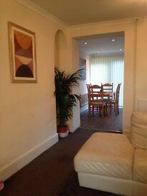 Fabulous 2 Bedroom house near the seafrontat blackpill, Mumbles & West cross