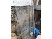 Curved glass shower door