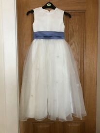 Veromia Bridesmaid's dress. Age 6 approx.