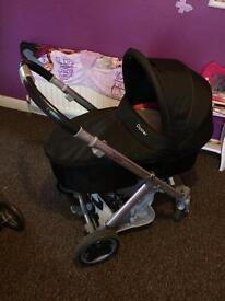 Oyster baby girl pushchair