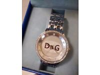D G SLIVER STUNNING NEW STYLE WATCH