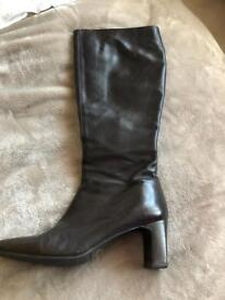Russell and Bromley boot