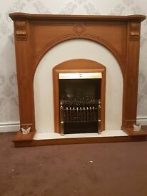 Mantle with electric fire