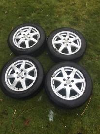Snow tyres and wheels