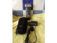 Braun Series 7 (750cc-7) electric razor, with soft case and adaptor