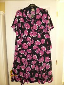 Ladies Skirt and matching blouse – by Eastex – Pink/black/white – Size 20